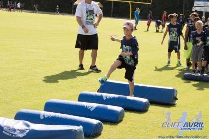 Cliff_Avril_Football_Camp_18