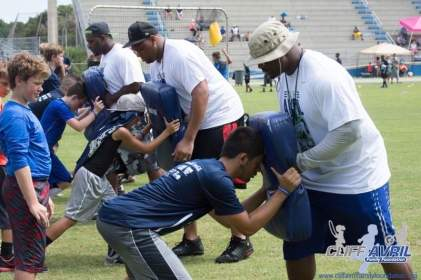 Cliff_Avril_Football_Camp_31