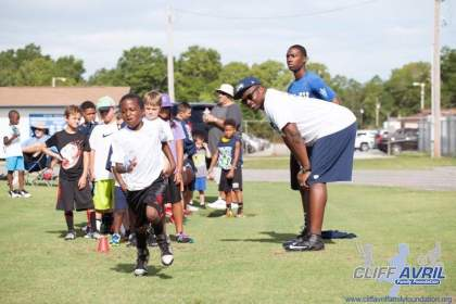 Cliff_Avril_Football_Camp_37