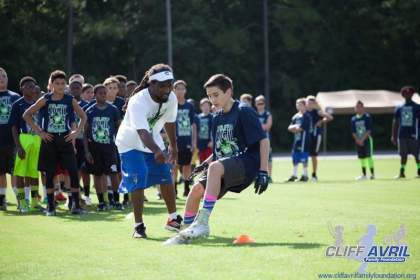 Cliff_Avril_Football_Camp_50
