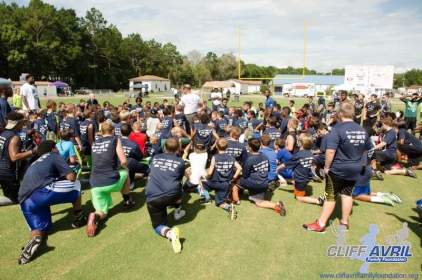 Cliff_Avril_Football_Camp_70