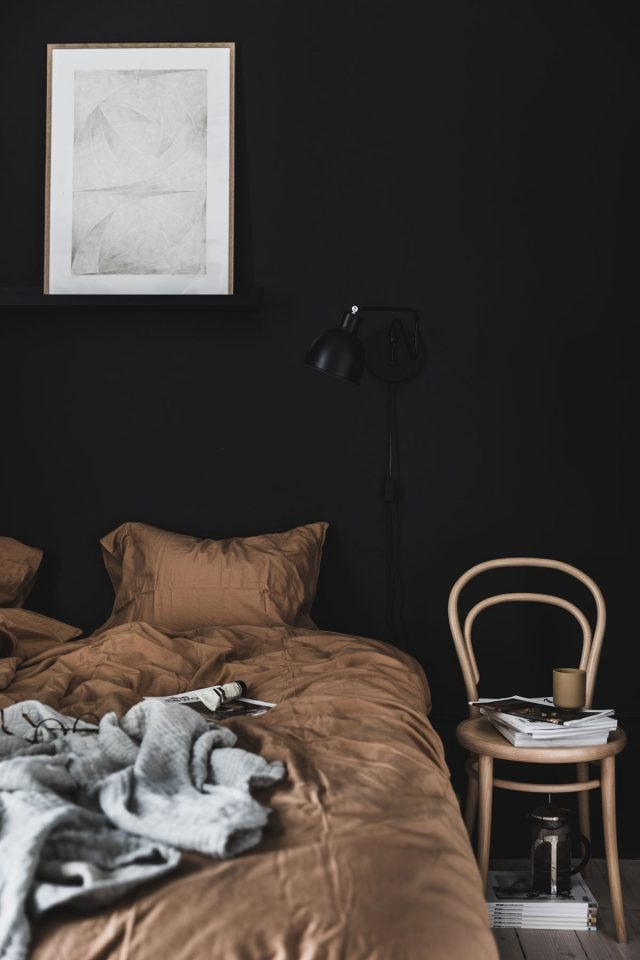 black bedrooms help you sleep better
