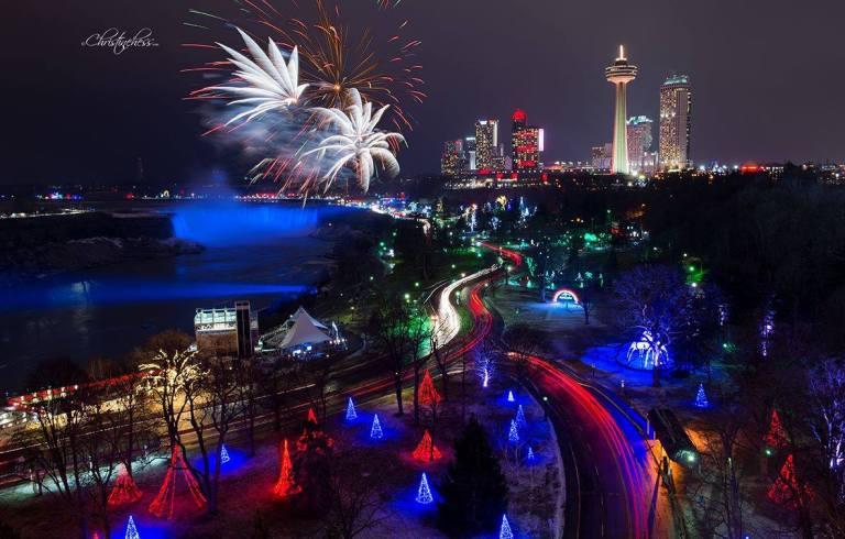 Niagara Falls Attractions Open on Christmas