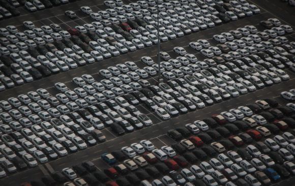 French Government Demands Automotive Companies Focus on Decarbonization in Exchange for Bailout