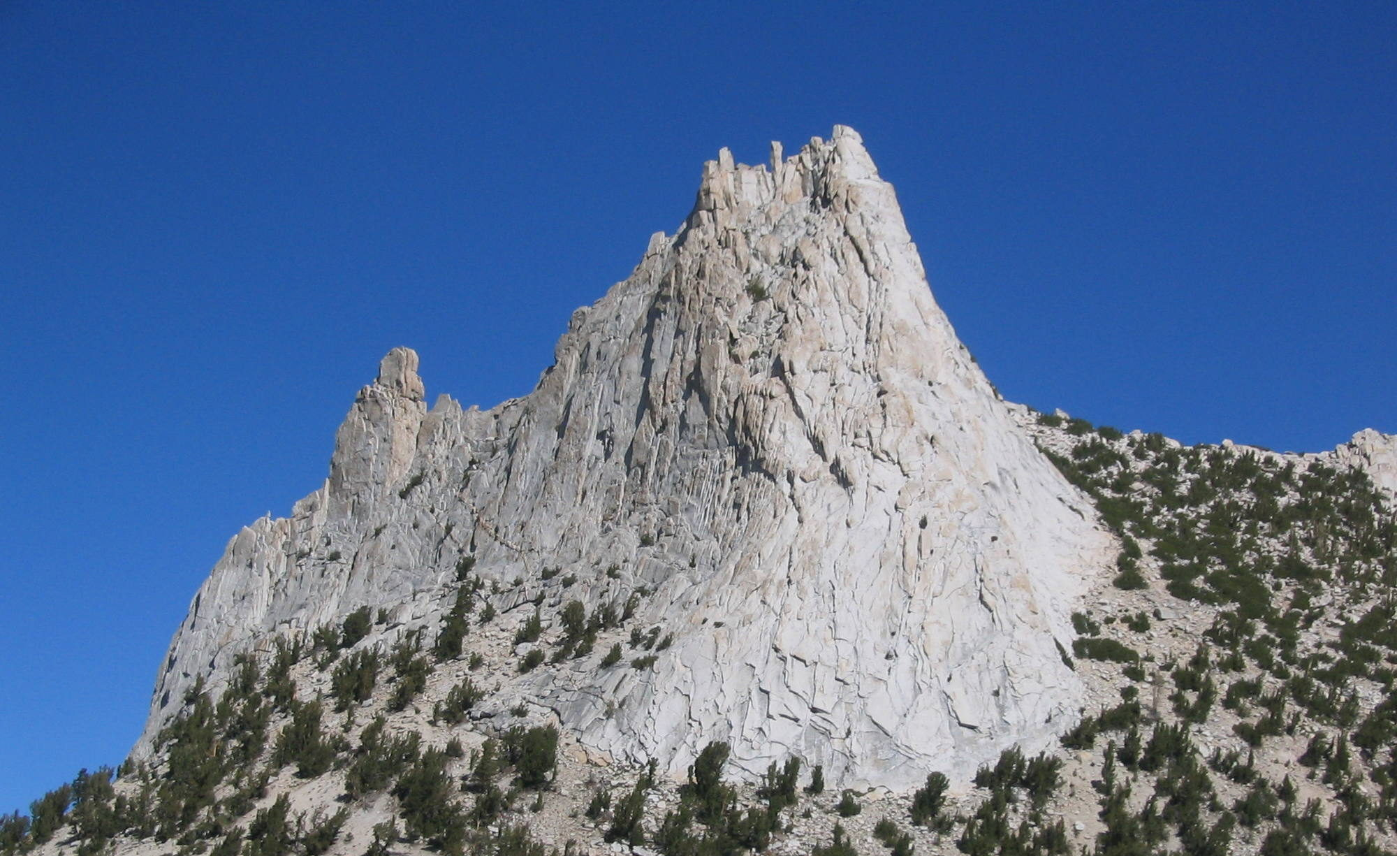 Accident Report: Rockfall, Cathedral Peak - Yosemite