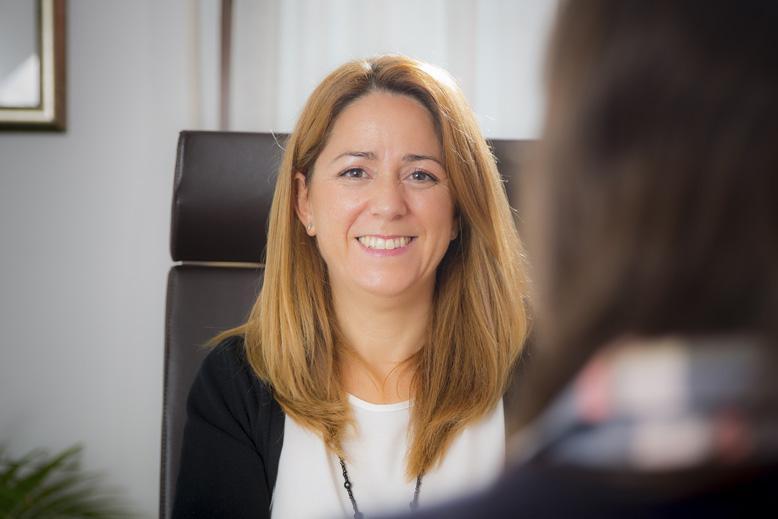 Raquel Durá Miralles en su clínica