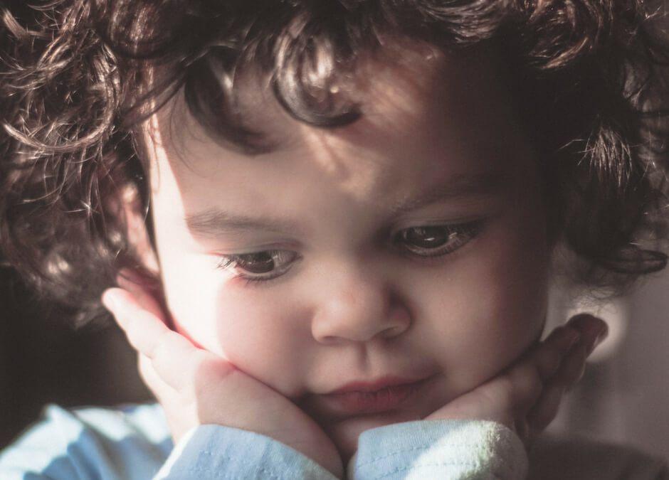 Precisa-se urgente ensinar as nossas crianças a reagir às emoções