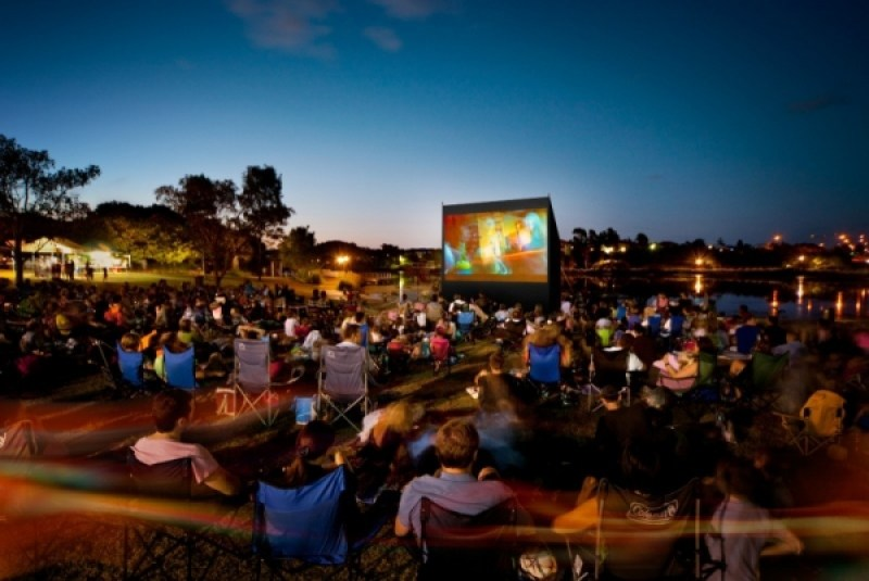 Outdoor Cinema Amsterdam | Open Air Cinema Amsterdam | Clink Hostels