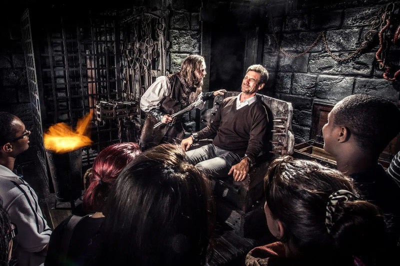 Amsterdam Dungeon | The Best Places to spend Halloween in Amsterdam | Clink Hostels