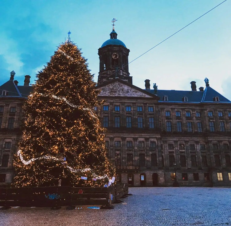 Dam Square Christmas Markets in Amsterdam Clink Hostels