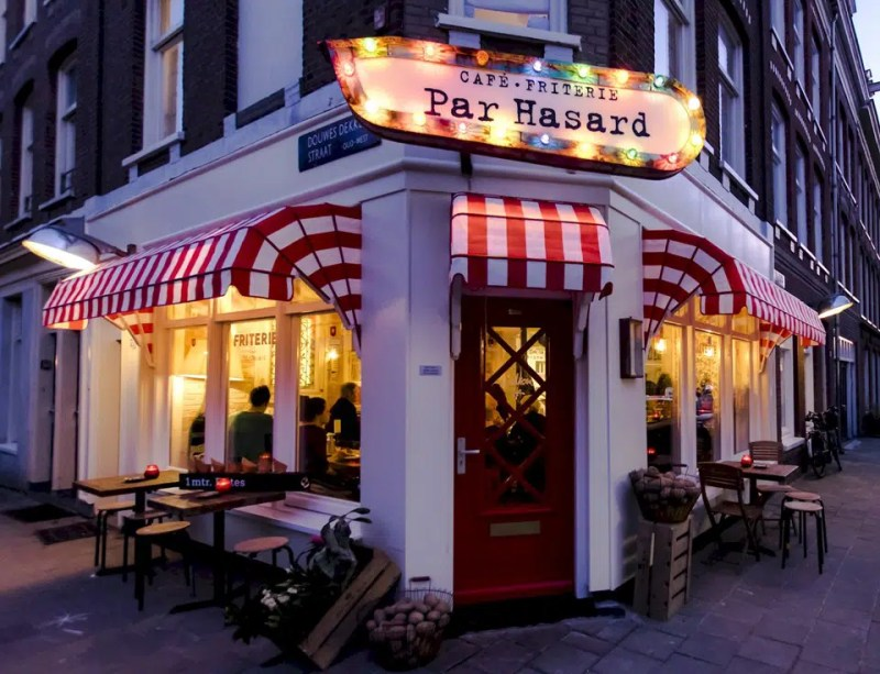 Cafe Par Hasard Resaraunt | Eat Like a Local in Amsterdam | Clink Hostels
