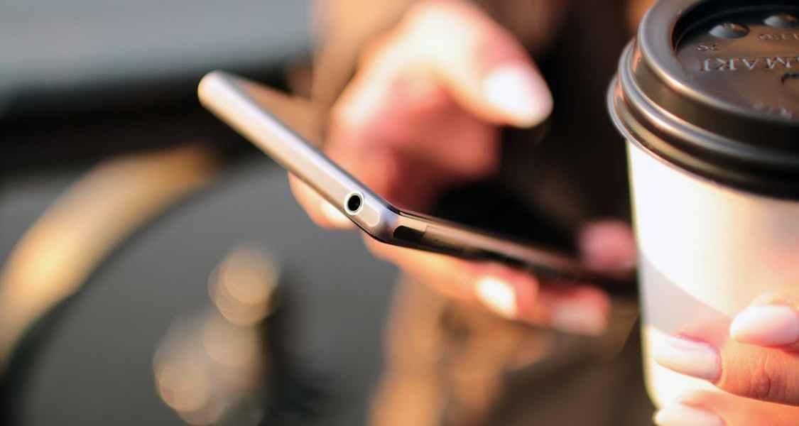 coque téléphone à personnaliser clioandco réduction