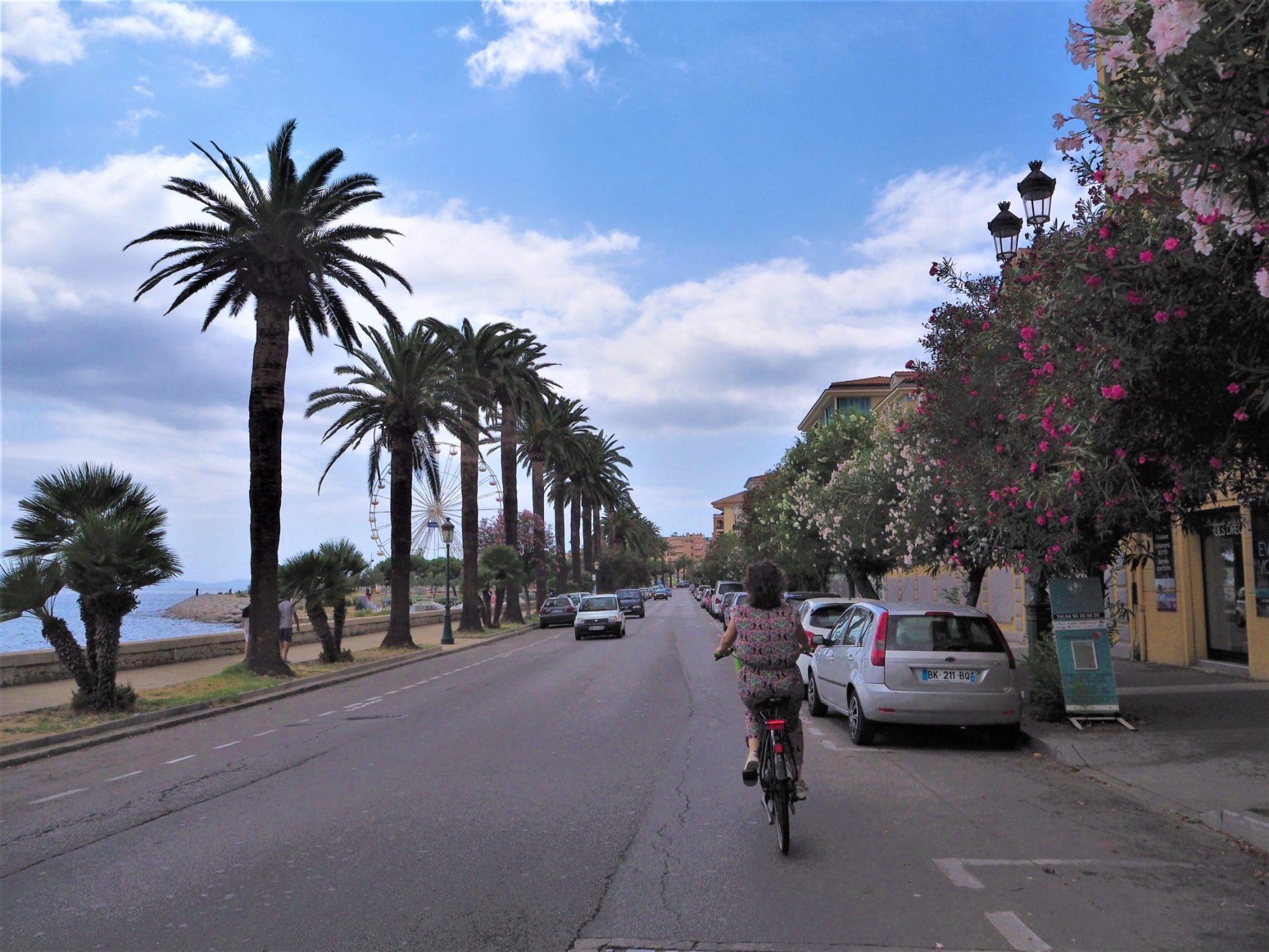 On se balade dans Ajaccio en Corse avec les vélos électriques AppeBike
