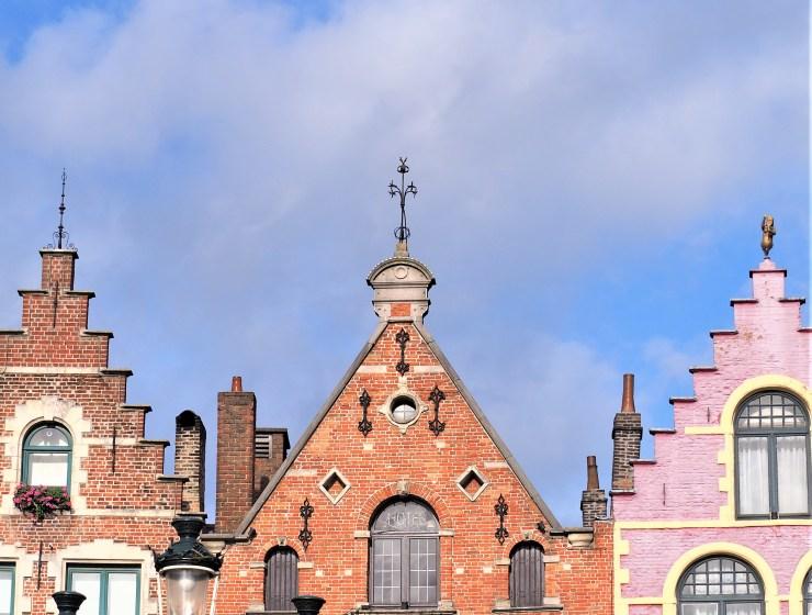 Bruges-Belgique-Blog-voyage-Clioandco-Eglise-Sainte-Walburge-de-Bruges-couleurs