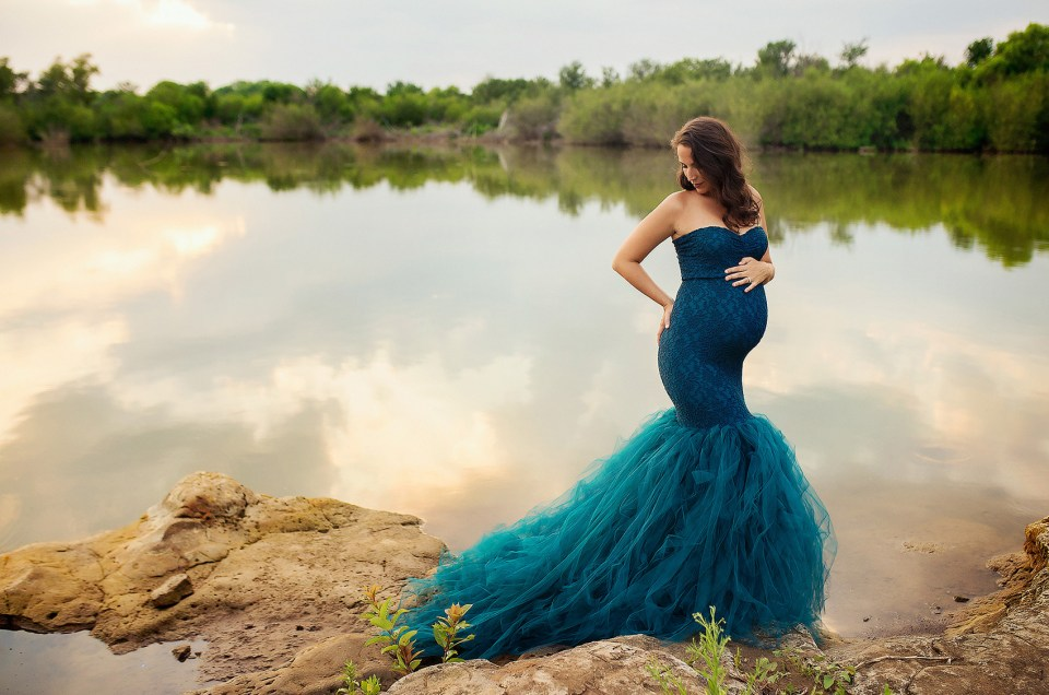 Dallas Pregnancy Photo Shoot Frisco Pregnancy Photographer CLJ Photography Outside Maternity Photography