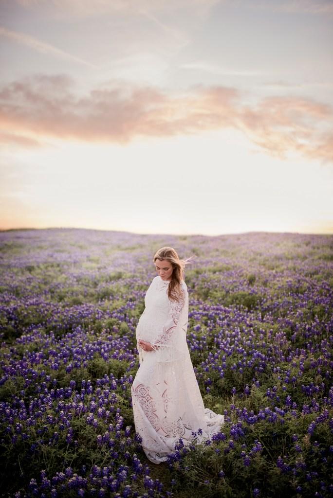 Texas Pregnancy Photo Shoot Bluebonnets CLJ Photography Dallas Pregnancy Photo Shoot