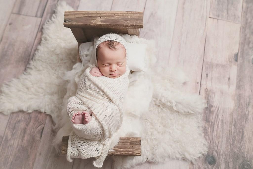 newborn photographer best newborn photo shoots top Texas maternity photographer CLJ photography