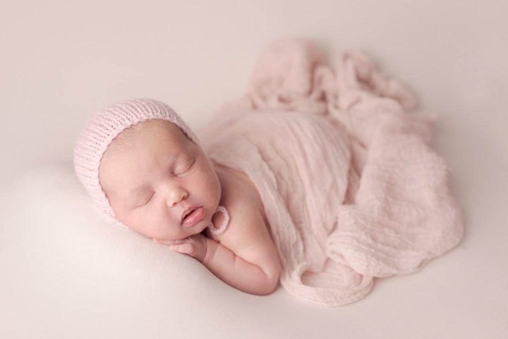 Newborn Photo Shoot, Best Newborn Photographer, Instagram Influencer Madison Nelson CLJ Photography