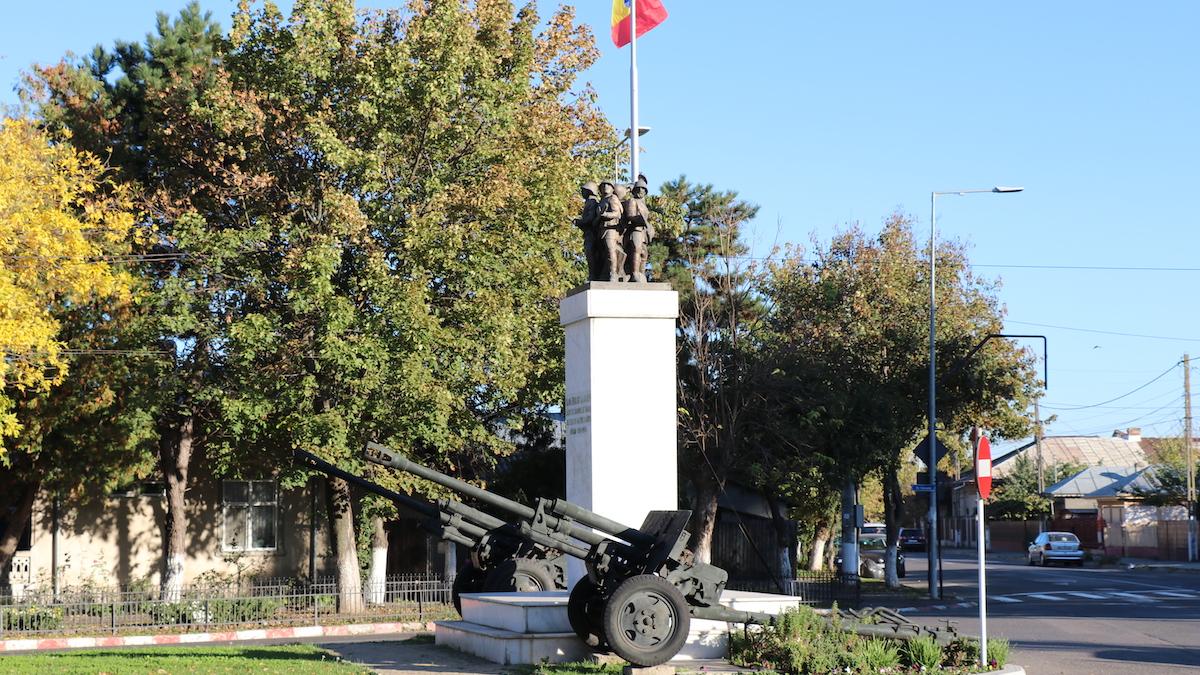 Monumentul Eroilor din Călărași. FOTO Adrian Boioglu