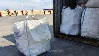 Container încărcat cu deșeuri, depistat în Portul Constanţa Sud Agigea