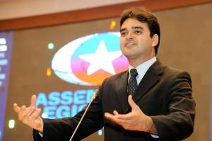 Rubens Júnior diz que oposição vota com Arnaldo.