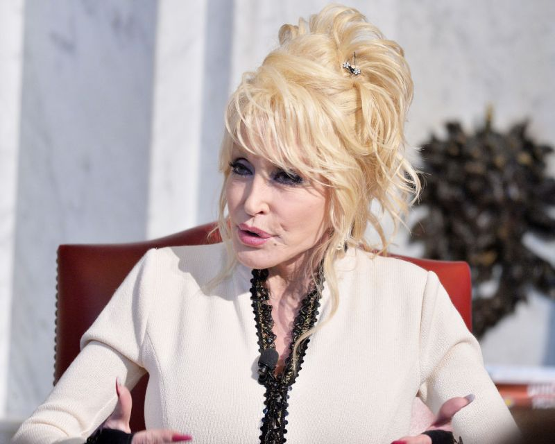 Dolly Parton S Real Hair Found Out Why