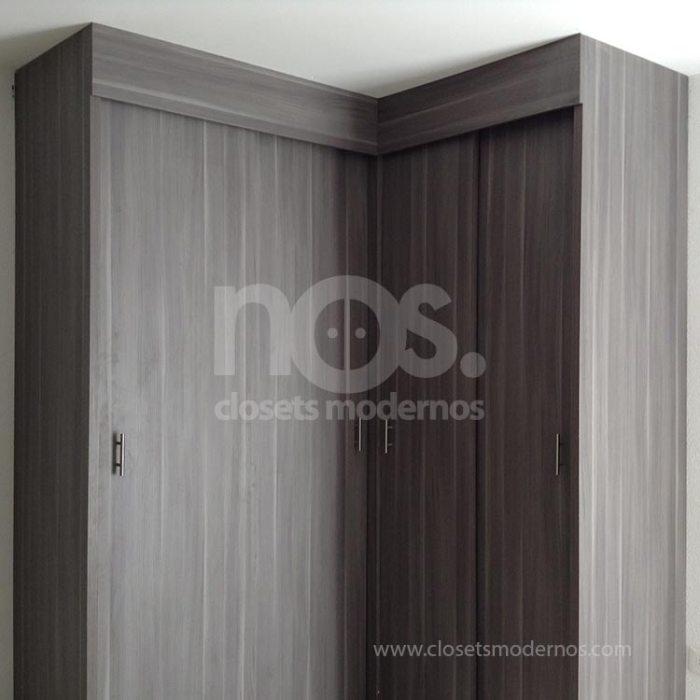 closets escuadra con puertas corredizas
