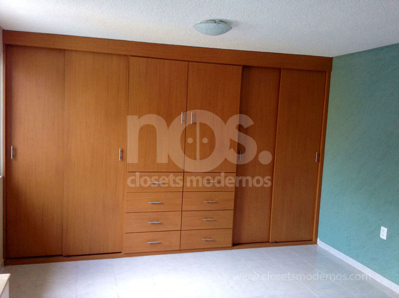 Closets modernos elegant and modern kitchen storage for Closet medianos modernos