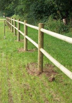 cloture pour chevaux avec 2 lisses encastre bois tanalith e cloture pour chevaux