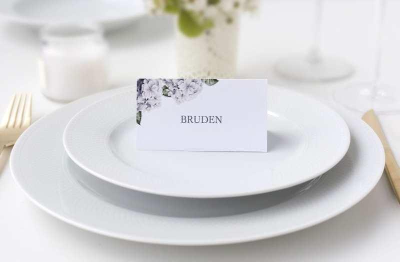 bordkort bryllup lilla blomst hortensia