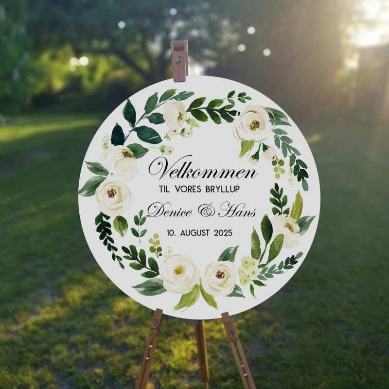 Velkomstskilt. Flower Bouquet. Hvide roser. Grønne blade. Sommer. Klassisk