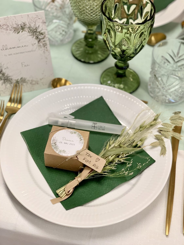 Grøn og guld konfirmationstema