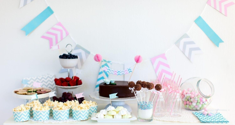 babyshower. kage. lyserød. lyseblå. slik