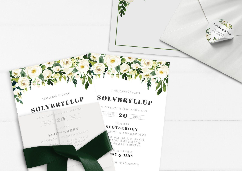 Sølvbryllup invitation grønne blade og hvide blomster
