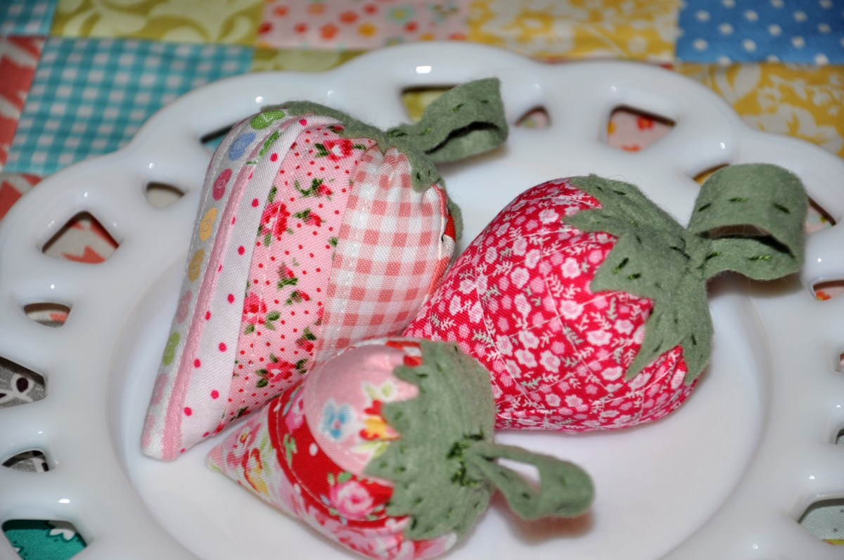 A Strawberry Pincushion Swap Amp Pillowcases Clover Amp Violet