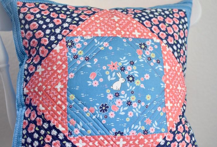 Giant Economy Block Pillow :: Free Pattern