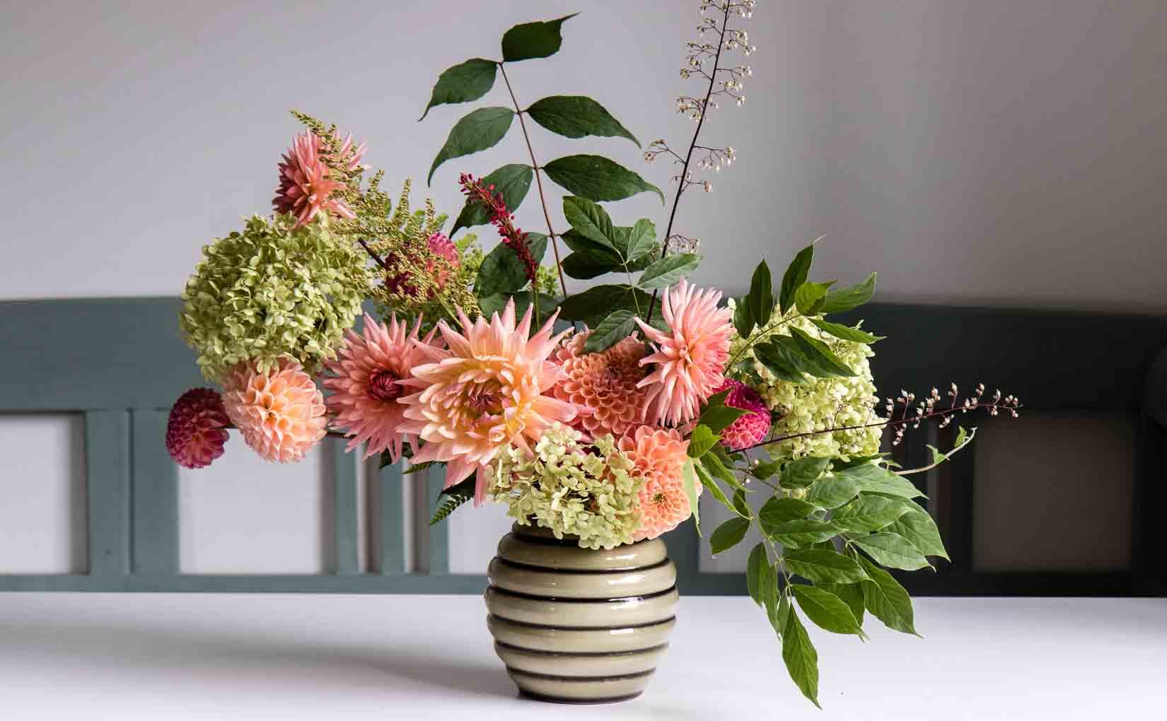 5 easy flower arrangement ideas with dahlias  Cloverhome