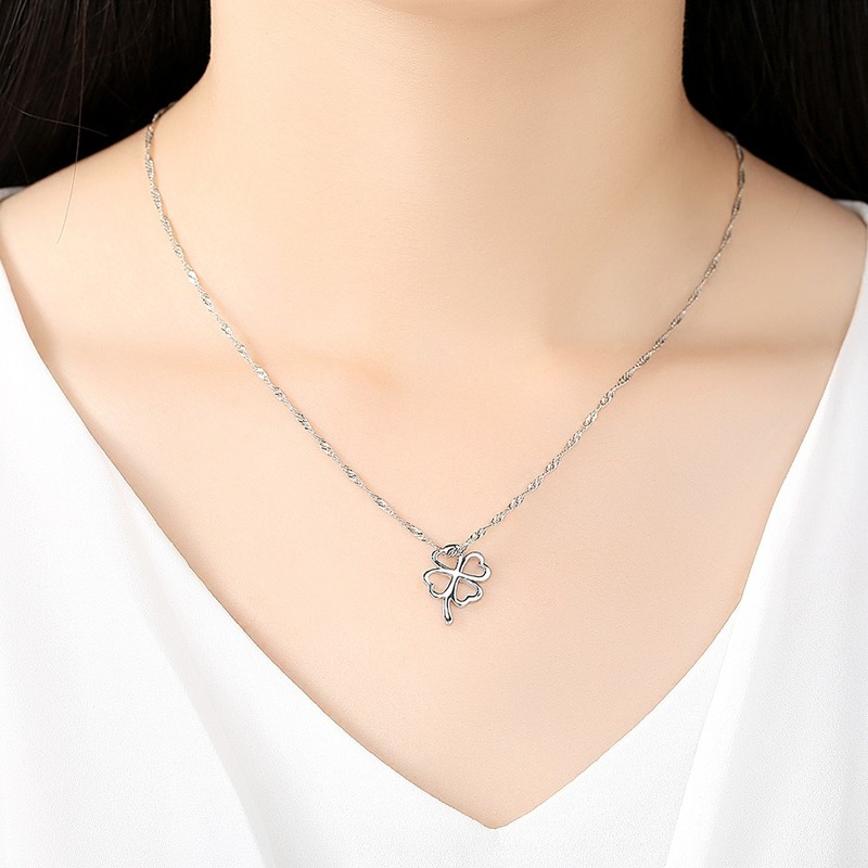 Silver Color Leaf Necklace Ladies Exquisite Hollow Stainless Lucky-clover Necklace Jewelry Simple Necklace Ladies Gift Jewelry CLOVER JEWELLERY