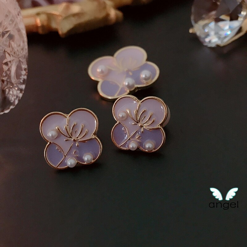 Broche Enamel Pin L Jewelry Snow Lotus Temperament Brooch Needle And Elegant French Pearl Clovers Restoring Ancient Ways CLOVER JEWELLERY