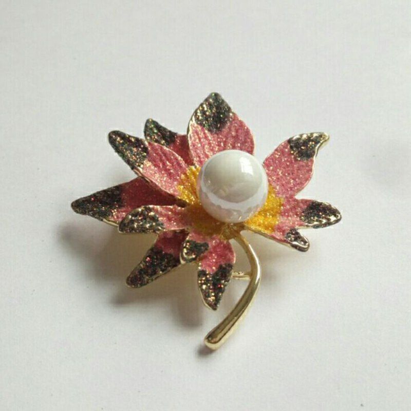 Maple Leaf Pearl Breast Pin Fashion Alloy Material Elegant Pearl Brooches (Pattern 4) CLOVER JEWELLERY