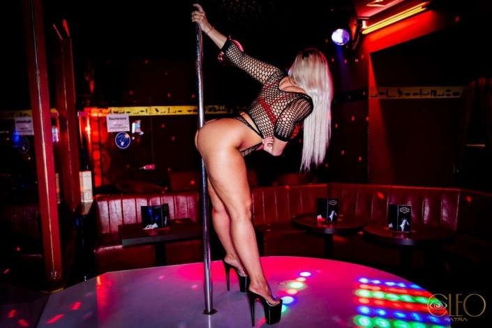 Pole-Dance-Girl-Berlin-16
