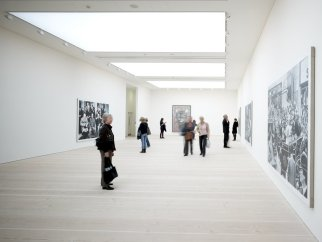 saatchi gallery inside