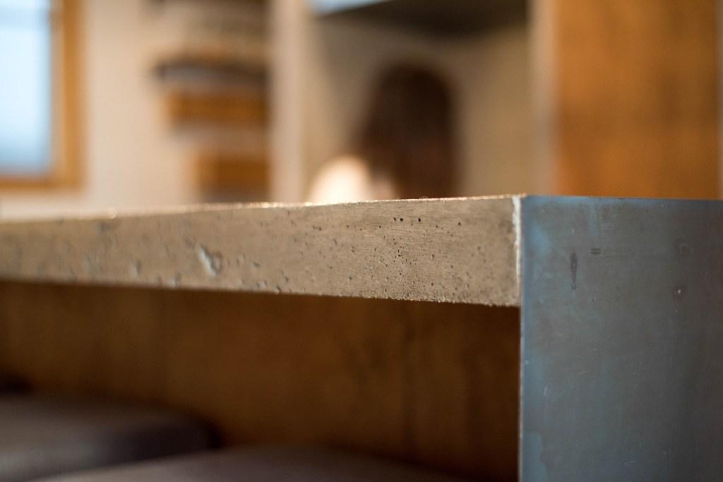 コンクリートインテリア  コンクリートカウンター  コンクリートキッチン  アイアン  オーダーキッチン  リノベーション
