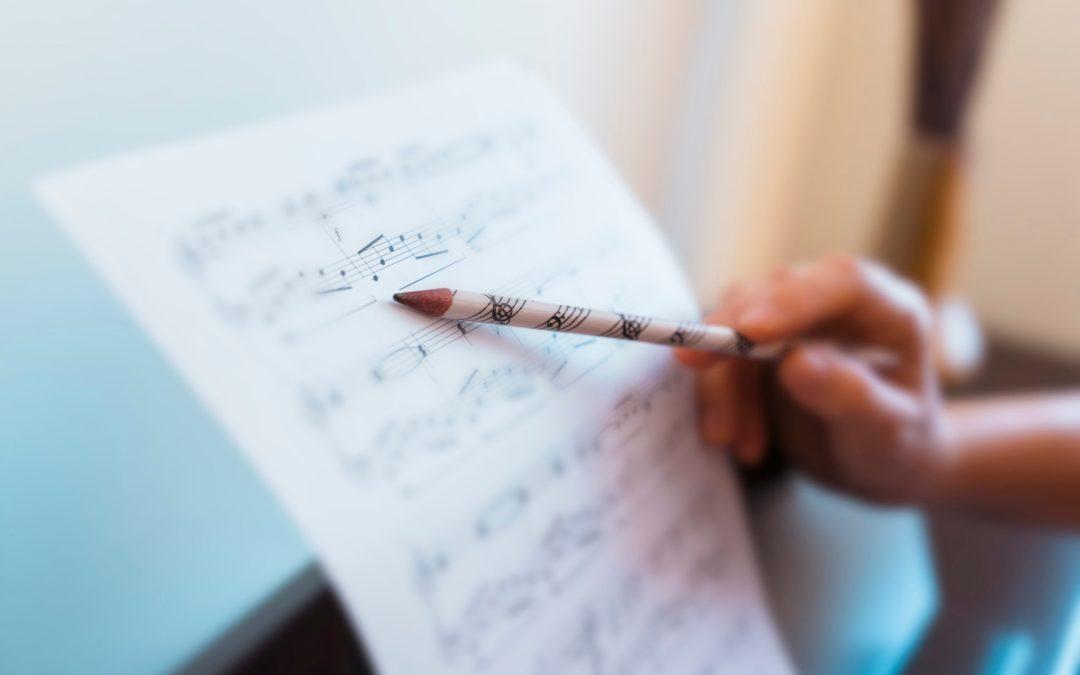 Rejoignez la section Musique de La Défense du Club92Cmcas : Chant, Piano et Guitare