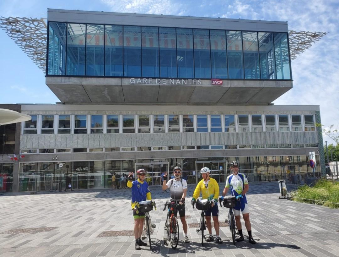 Gare de Nantes Abeille - Départ du dernier jour - Cyclo – Relais Hendaye Nantes 844 km et 4 000 m de dénivelé en juin 2021