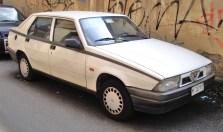 Alfa_Romeo_75_Bianca