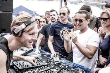 Kako izgleda izliv besa za DJ pultom