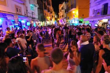 Ibiza zabranila prodaju karata i reklamiranje na ulicama