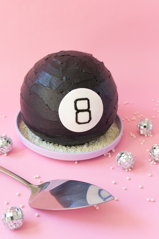 Magic 8 Ball Cake   Club Crafted