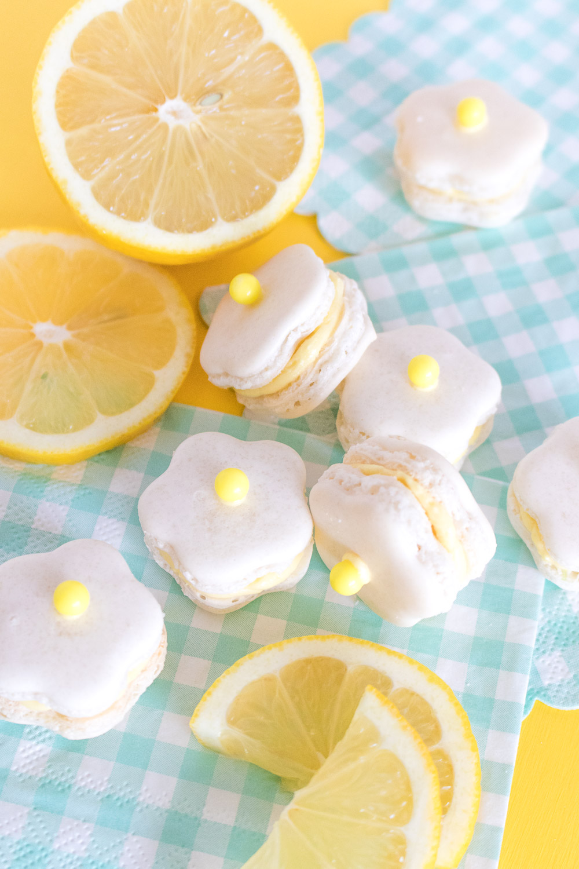 Flower Power! Lemon Daisy Macarons | Club Crafted